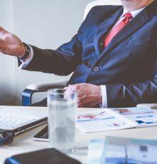 Professores que ganham adicionais (insalubridade, raio-x) devem solicitar a manutenção do pagamento quando designados para função de chefia
